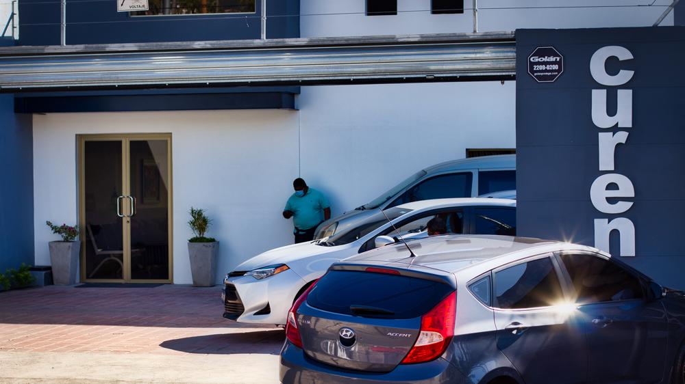 El ministro de Salud opera una clínica sin permiso para funcionar