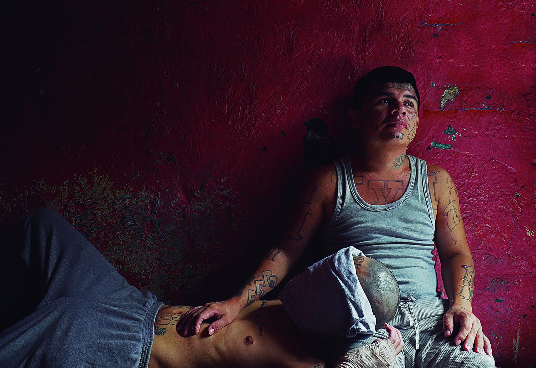 """""""Imperdonable"""": pandillas y sociedad unidas por el odio"""