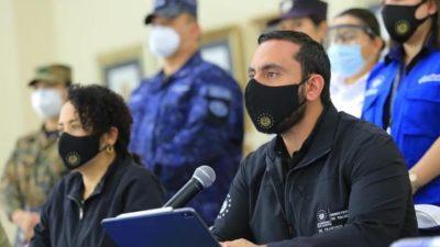El Salvador pide información a España por sospechas de negociaciones ilícitas de Recinos y Alabí