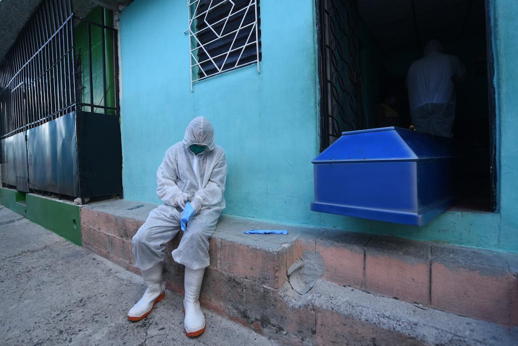 El trauma de los héroes de la pandemia