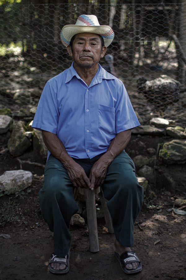 Mercedes Ortiz Luna es un sobreviviente del operativo militar en el que ocho miembros de su familia fueron asesinados por miembros del batallón Atlacatl. Foto: José Cabezas.
